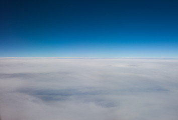 Layer of high altitude cirrostratus cloud