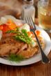 fettine di maiale panate con contorno di finocchi e carote