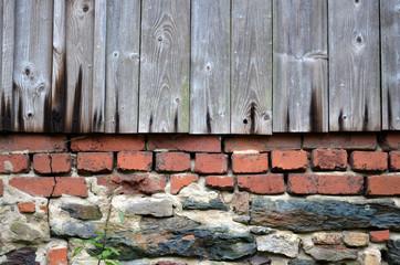 altes Holz und Mauer