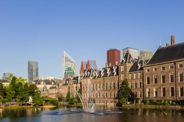 Den Haag Binnenhof und Skyline