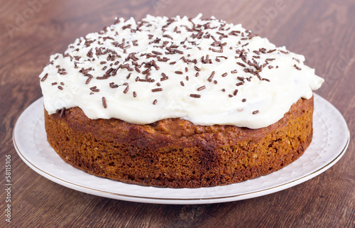 Cake with cream cheese topping