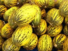 Melons jaunes à rayures jaunes à Istanbul Erenkoey