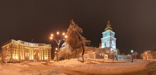 Михайловский Златоверхий монастырь и МИД  ночью, Киев, Украина