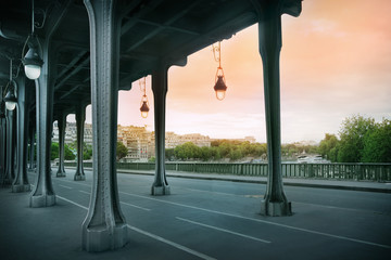 Pont de Bir-Hakeim bridge