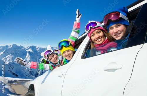 winter vacations - 58156547