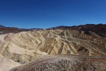 Massif rocheux de la vallée de la mort