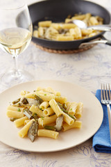 Elicoidale pasta with artichokes and green beans