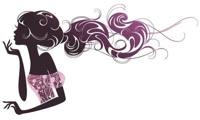 Девушка с розовыми прядями волос