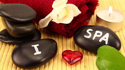 """I love spa"" scene made of black spa therapy stones"