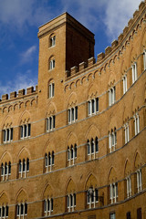 palazzo sansedoni a siena
