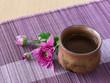 お酒と菊の花
