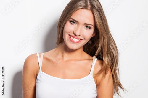 smiling - 58205175
