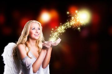 Weihnachtsengel mit magischem Licht