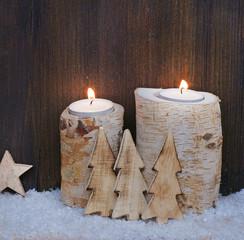 Weihnachtsdeko aus Holz mit Lichtern