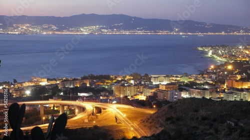 Timelapse stretto di messina sera