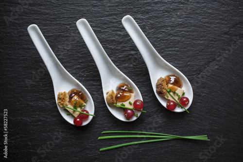 Papiers peints Entree, salade Boucher Foie Gras sur Ardoise
