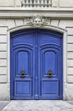 Wood arch entry door in Paris