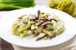 Grüne Pasta mit Kräuterseitlingen
