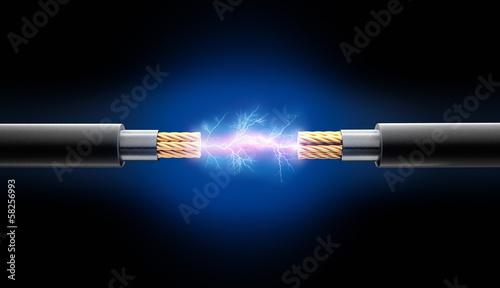 Leinwandbild Motiv Zwei Kabel mit Funkenschlag