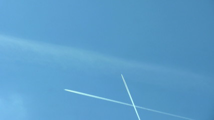 Two airplanes cross their course making big X