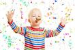 Kind feiert Geburtstag mit Konfetti