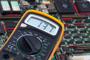 Digital Voltmeter and PCB
