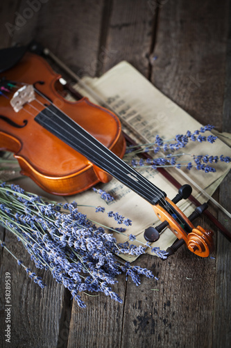 Leinwanddruck Bild Vintage composition with violin and lavender