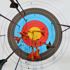 arrows hit target, successful concept