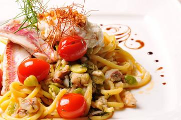 spaghetti con triglia e ricotta