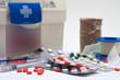 canvas print picture - botiquin y medicamentos
