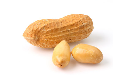 Peanuts with and without shell