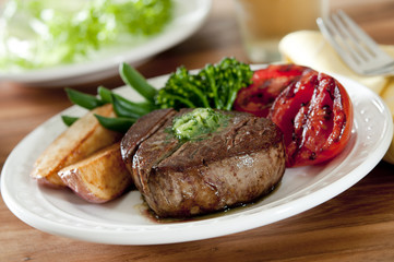 tenderloin steak with grilled vegetables