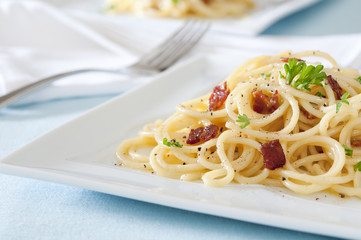 traditional spaghetti carbonara