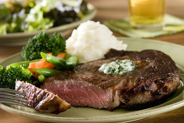 ribeye steak with vegetables