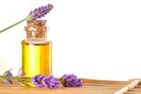 Fototapety Lavendel mit Lavendelöl