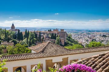 Alhambra mit Blick über Granada
