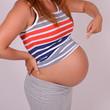 frau mit babybauch - schwangerschaft