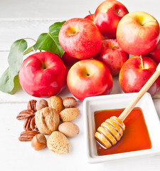Apples, nuts and honey