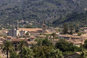 Soller, Mallorca - Blick auf die Stadt im Tal