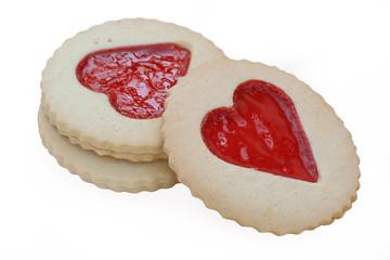 biscotti con cuore di marmellata_ sfondo bianco