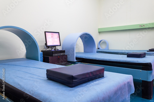 Hospital bed magnet therapy system