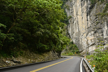 Road in Taroko National Park