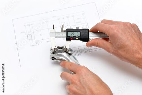 Leinwandbild Motiv Qualitätssicherung im Maschinenbau // Engineering