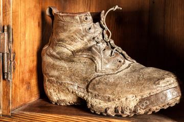 scarpone da lavoro fossilizzato