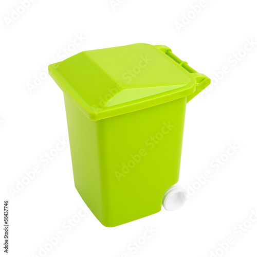 cassonetto verde - isolated recycling container
