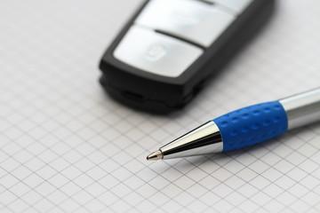 Autoschlüssel und Stift