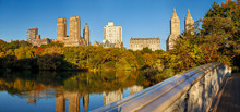 Fototapete - Panoramic view of Upper West Side from the Bow Bridge