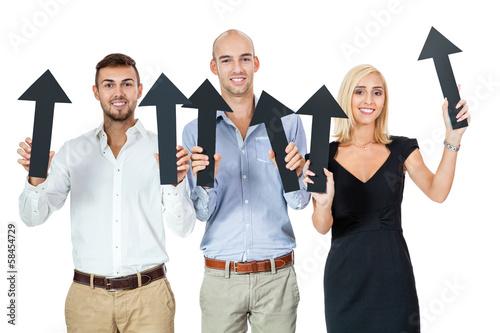 junges business team mit schwazen pfeilen isoliert
