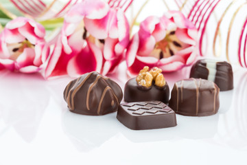 Pralinen mit Tulpen für eine Feier, Karte oder Geburtstag