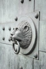 lion shaped door knocker vertical